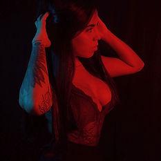 Mercedes, artista residente de Morning Glory Tattoo & Gallery