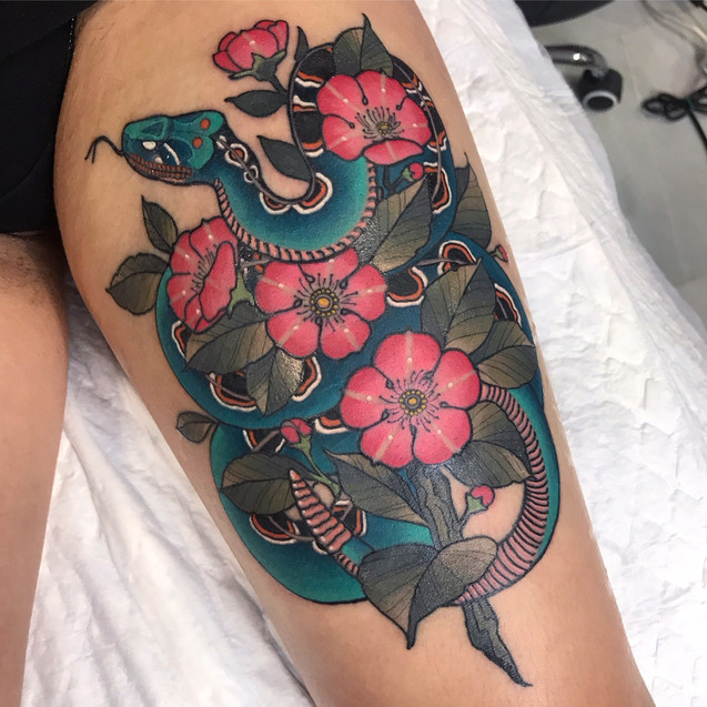 Tatuaje realizado por Cristopher Mendez en Morning Glory Tattoo & Gallery Valencia