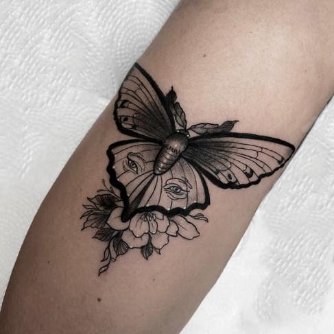 Tatuaje realizado por Nerea Abdon en Morning Glory Tattoo