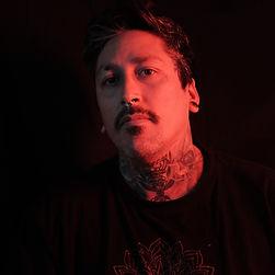 Cristopher Mendez, artista residente de Morning Glory Tattoo & Gallery