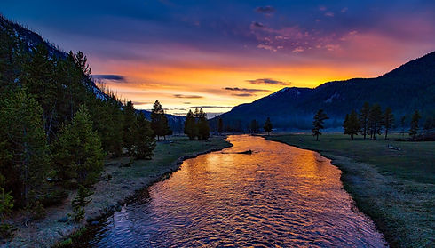 yellowstone-national-park-1589616_1920.j