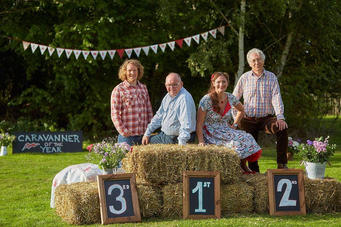bbc2-cravanner-of-the-year-bunting-by-em