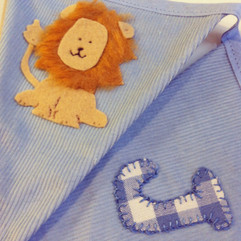 Lion-bunting-with-blue-gingham-by-emma-b
