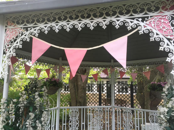 Pink bunting at Horton Grange