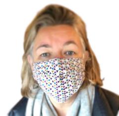 Triangle print face mask