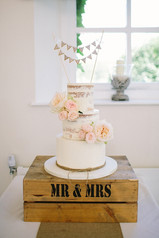 Mr & Mrs cake bunting