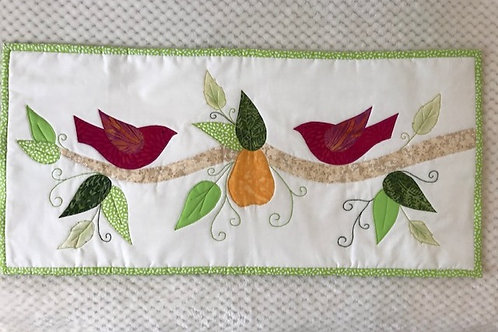 Appliqued table runner with Laureen Nicholls  - Tuesday 27th Octoberr