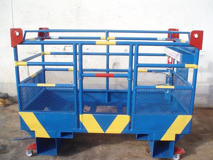 Plataforma Bailéu de Elevação de pessoas em empilhadôr e Multifunções com rodas de deslocação Manual