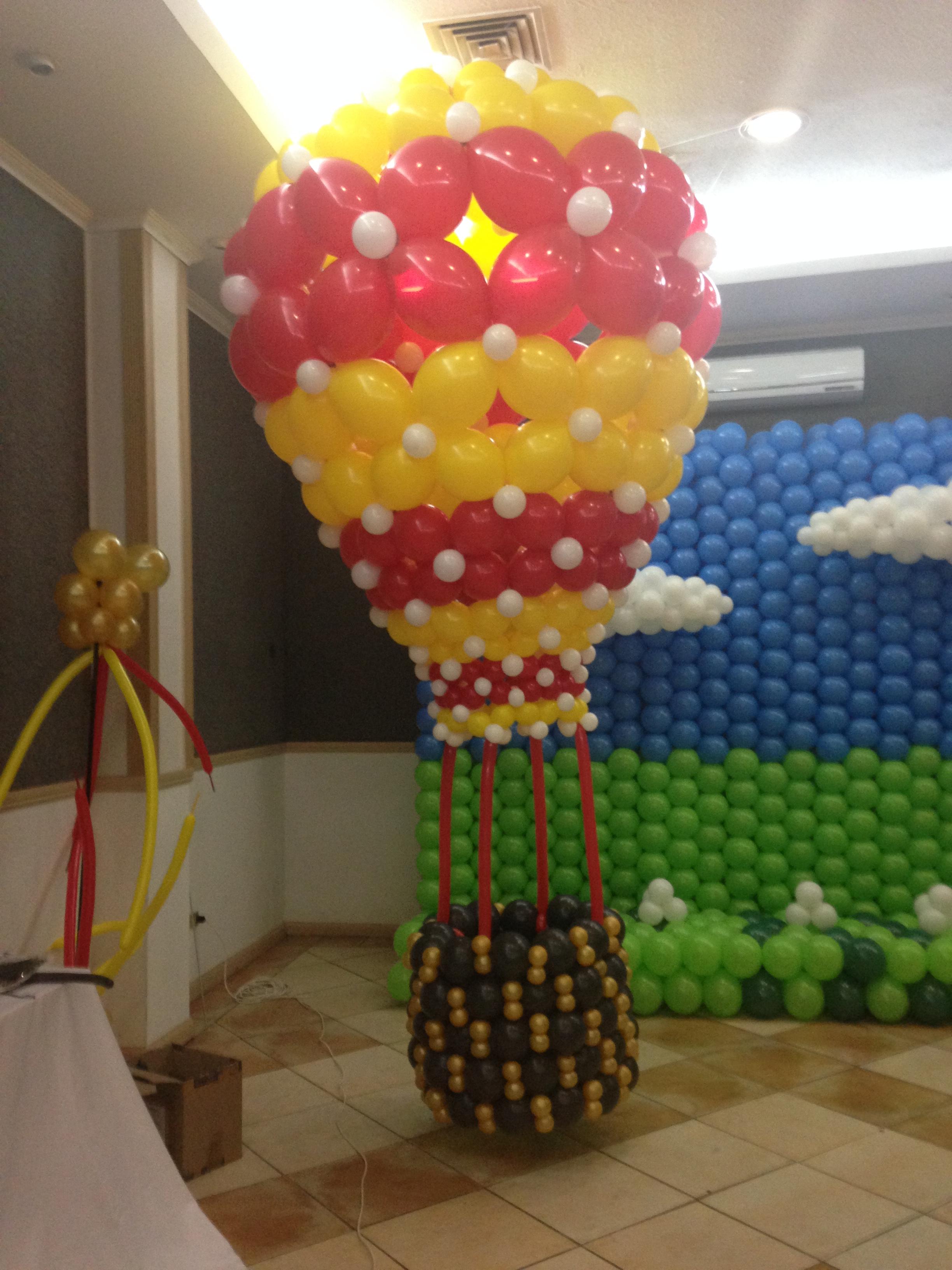 globo aerostático con globos