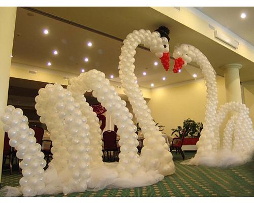 cisne con globos