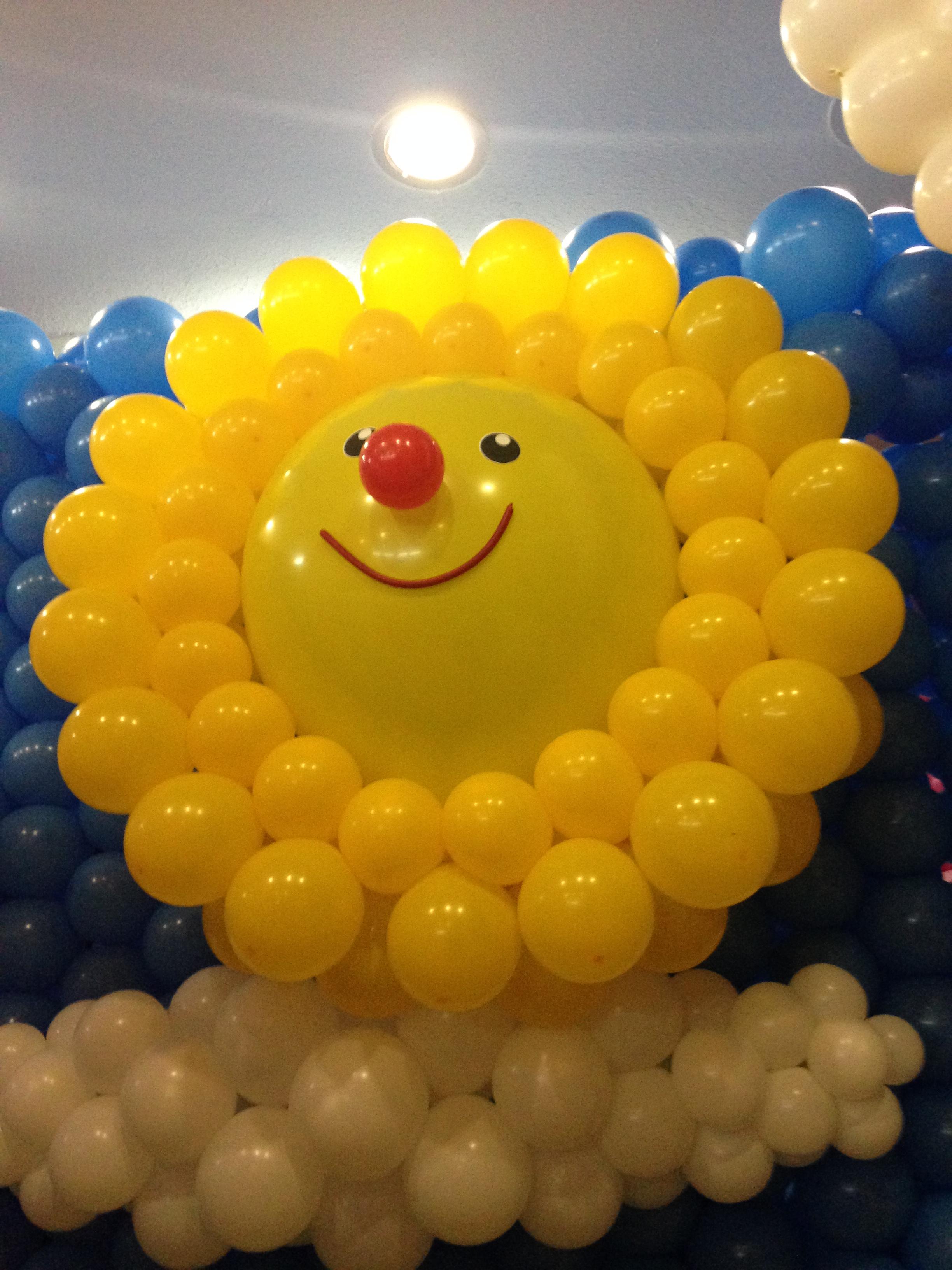 sol con globos