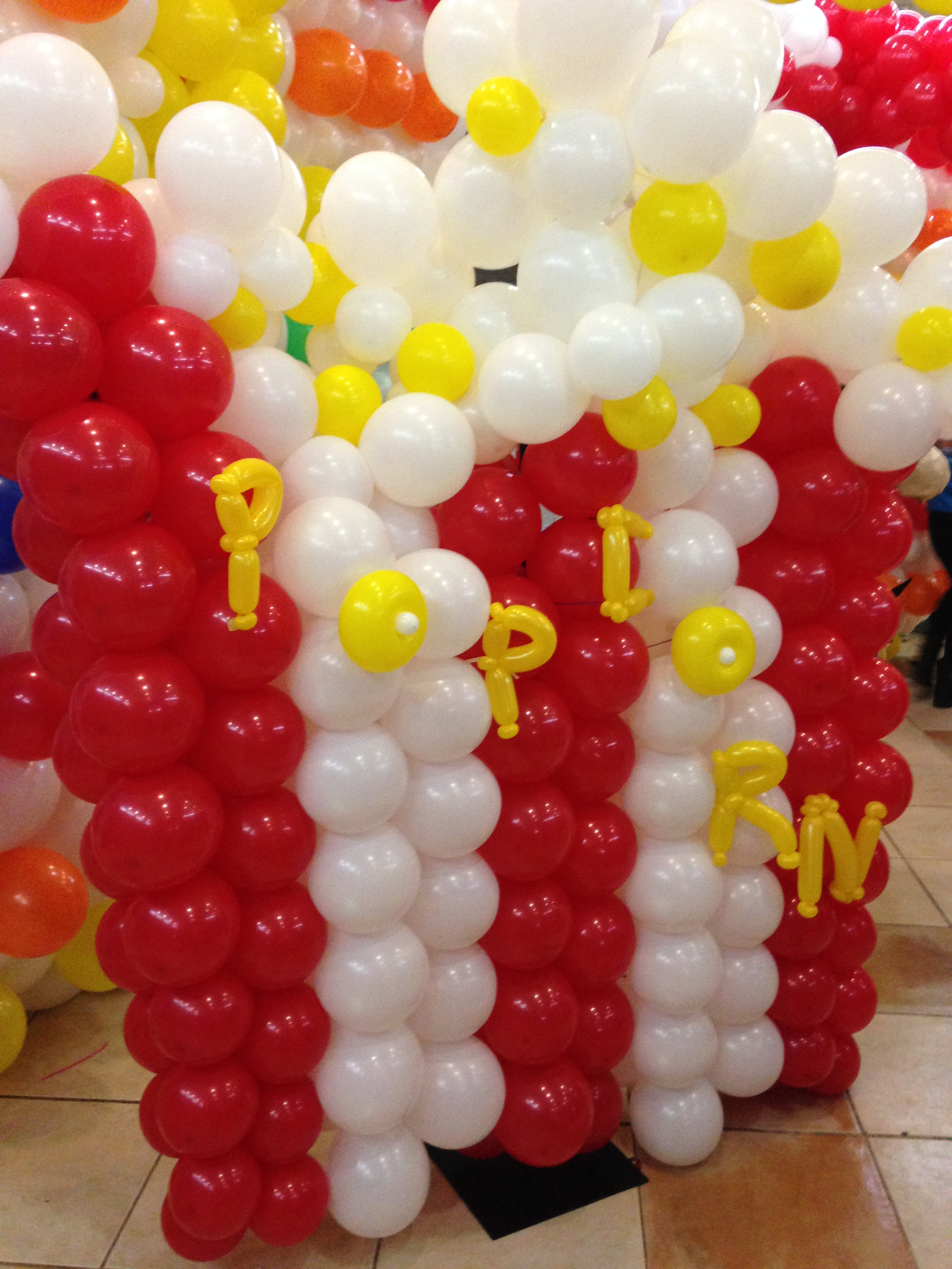 pop corn con globos