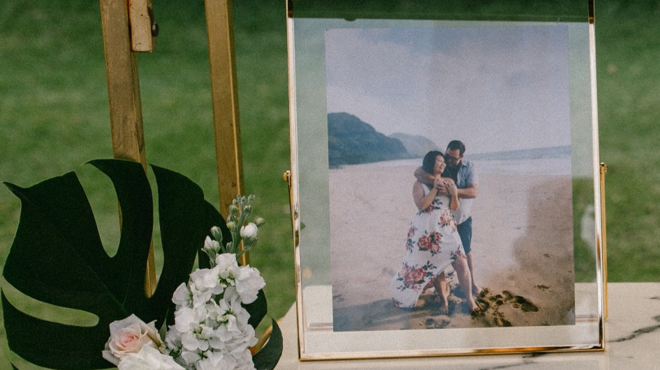 10x12 Gold Picture Frame Rental