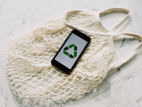 Naked fashion. Can packaging be more than just waste?