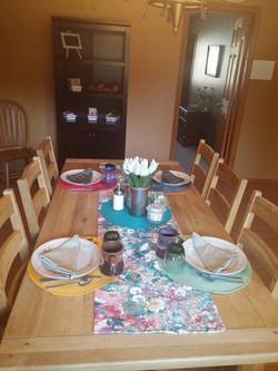 Breakfast table Tok