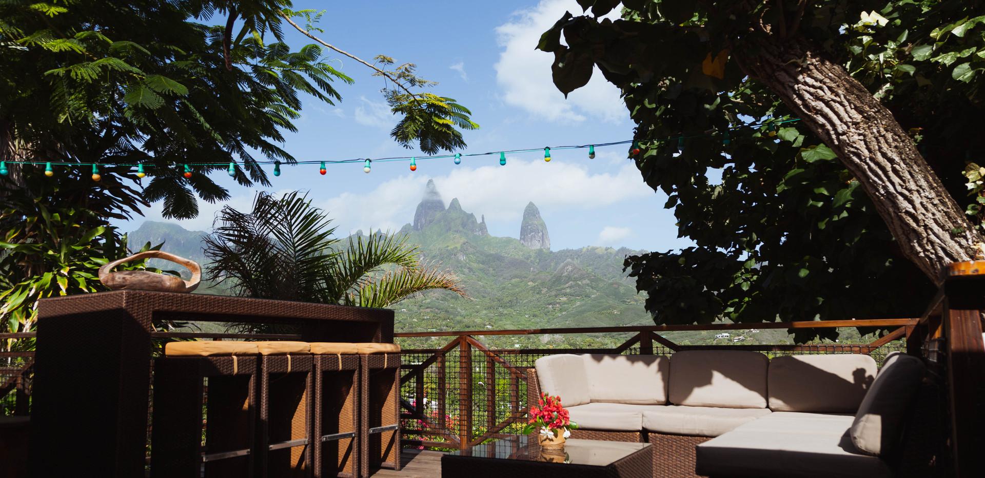 Vue sur les pics depuis la terrasse.jpg