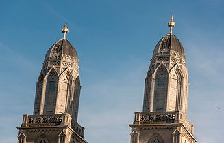 np_Cathedral towers on blue sky in Zuric