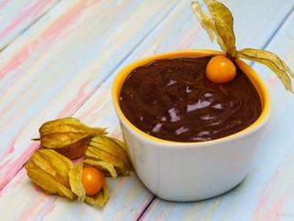 Raw vegan 3 ingredient chocolate pudding
