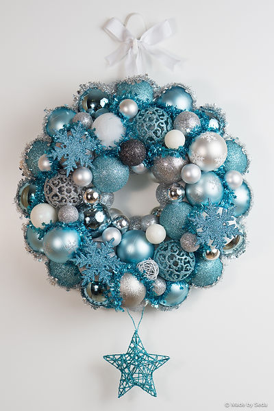 Gorgeous door wreaths