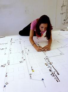 00_Foto_Künstlerin_Atelier-Ausstellung_1
