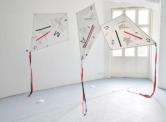 Patricia Sandonis art installation, Malerei, Kunst Berlin, Bildhauerei, Kunst und drachen, Kites, Art and memory, kunst und monumente