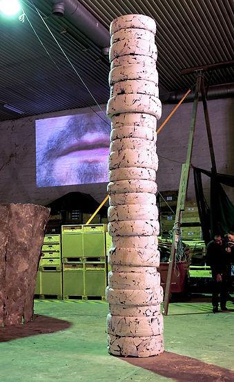 Patricia Sandonis art installation, big sculpture, Gereon Krebber, PRAKSIS Oslo, Yoko Ono Grapefruit, contemporary art in Oslo, ready made, art and anthropocen, Bildhauerei, Art ad Monuments, Monumental temporal
