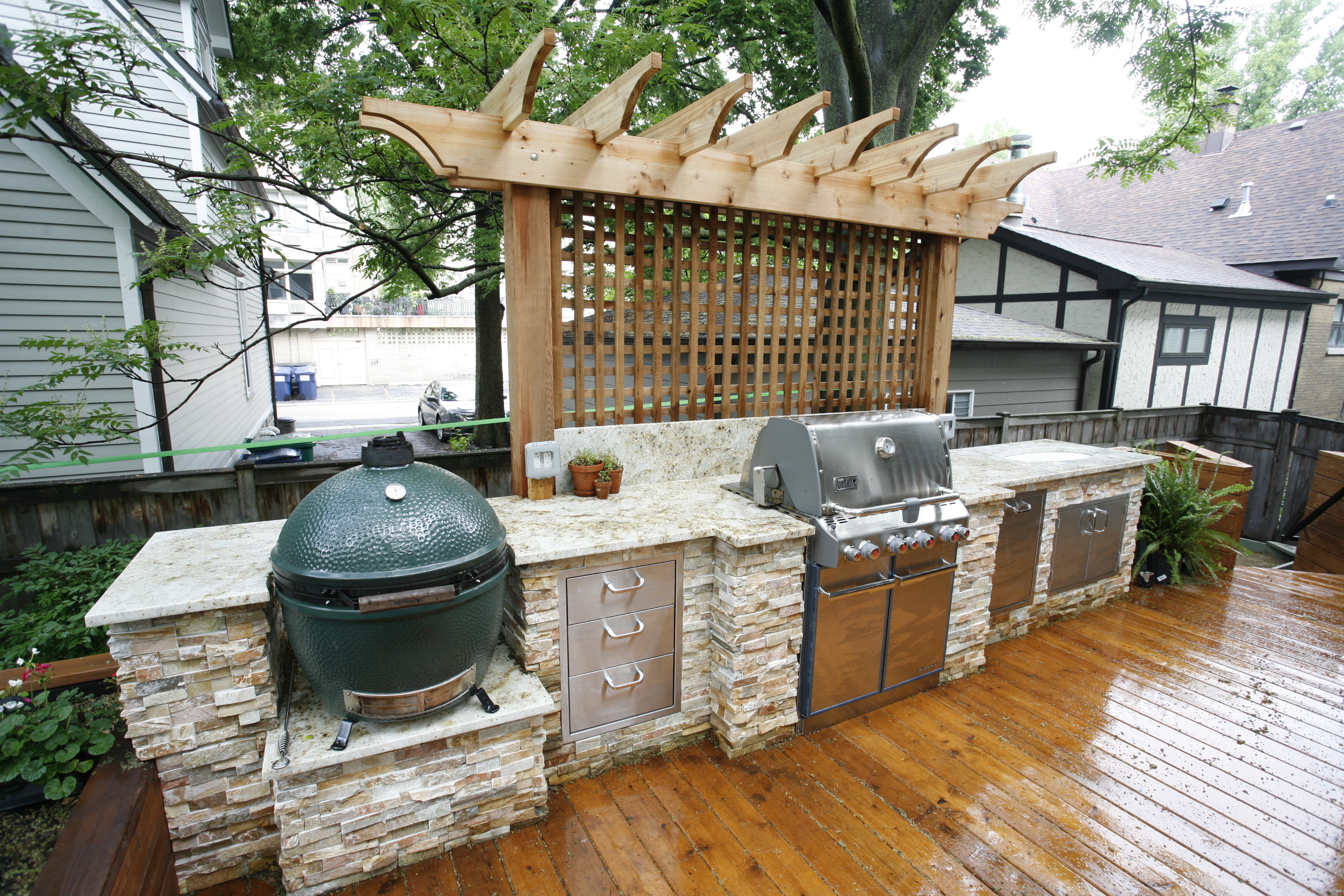 Chef's kitchen, outdoor grill