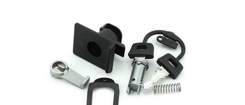 Serratura bauletto nera in PVC Vespa PX 125-150-200 Arcobaleno