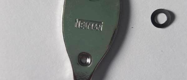 Coperchio serratura Neiman con rondella e ribattino Vespa