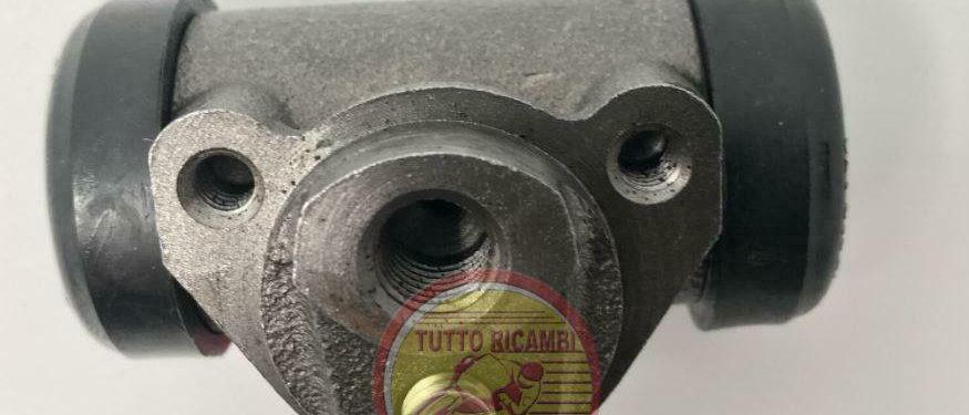 Cilindretto freno ruota anteriore destro/sinistro Fiat 500 F L d'epoca