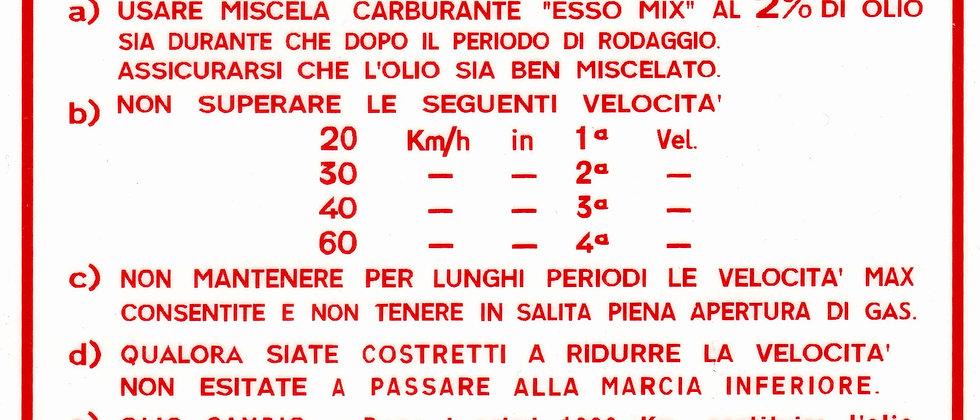 Adesivo rosso grande rodaggio 2% Vespa 4 marce