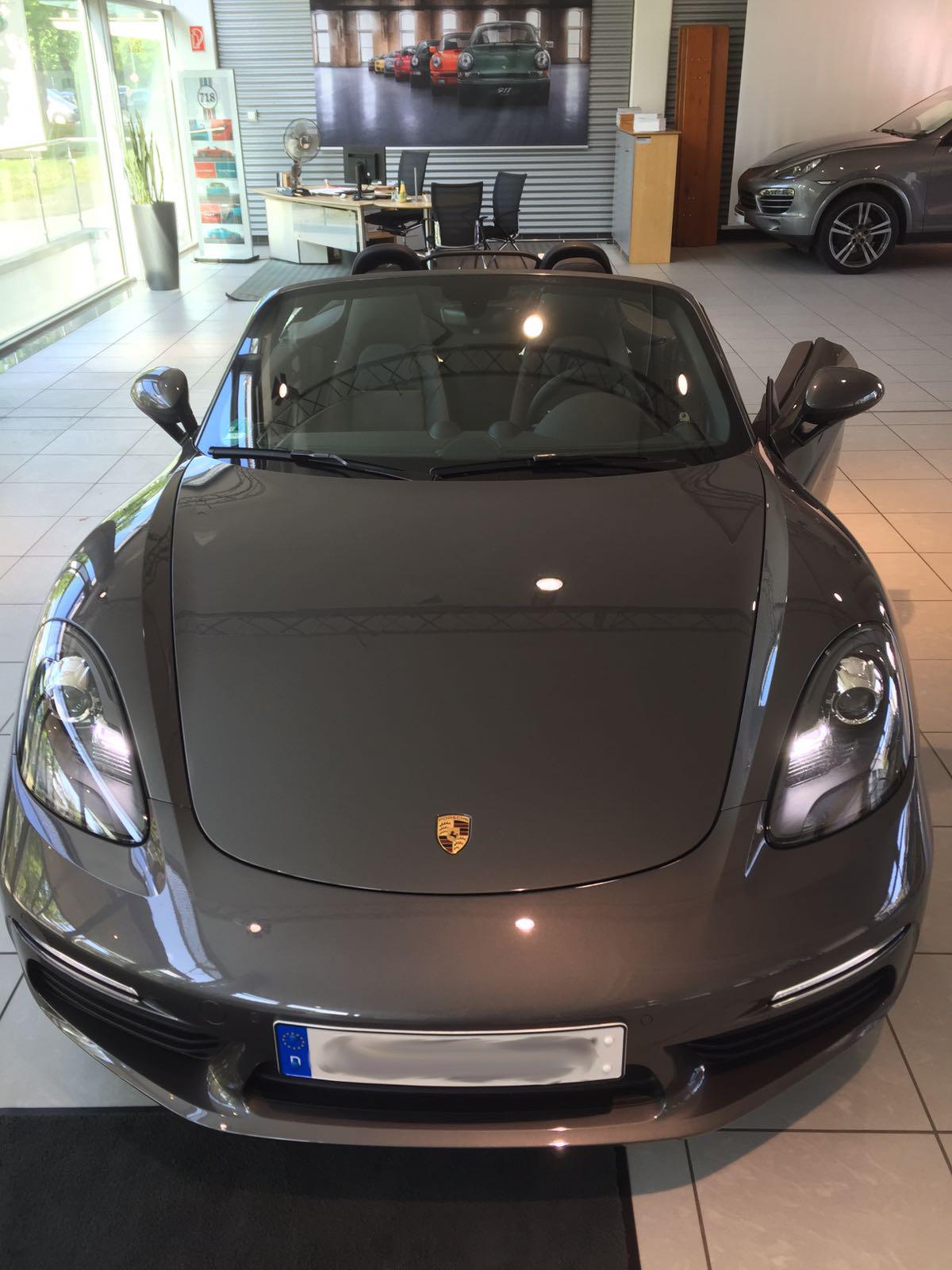 Porsche_boxter_tuning_strifen_carwrap