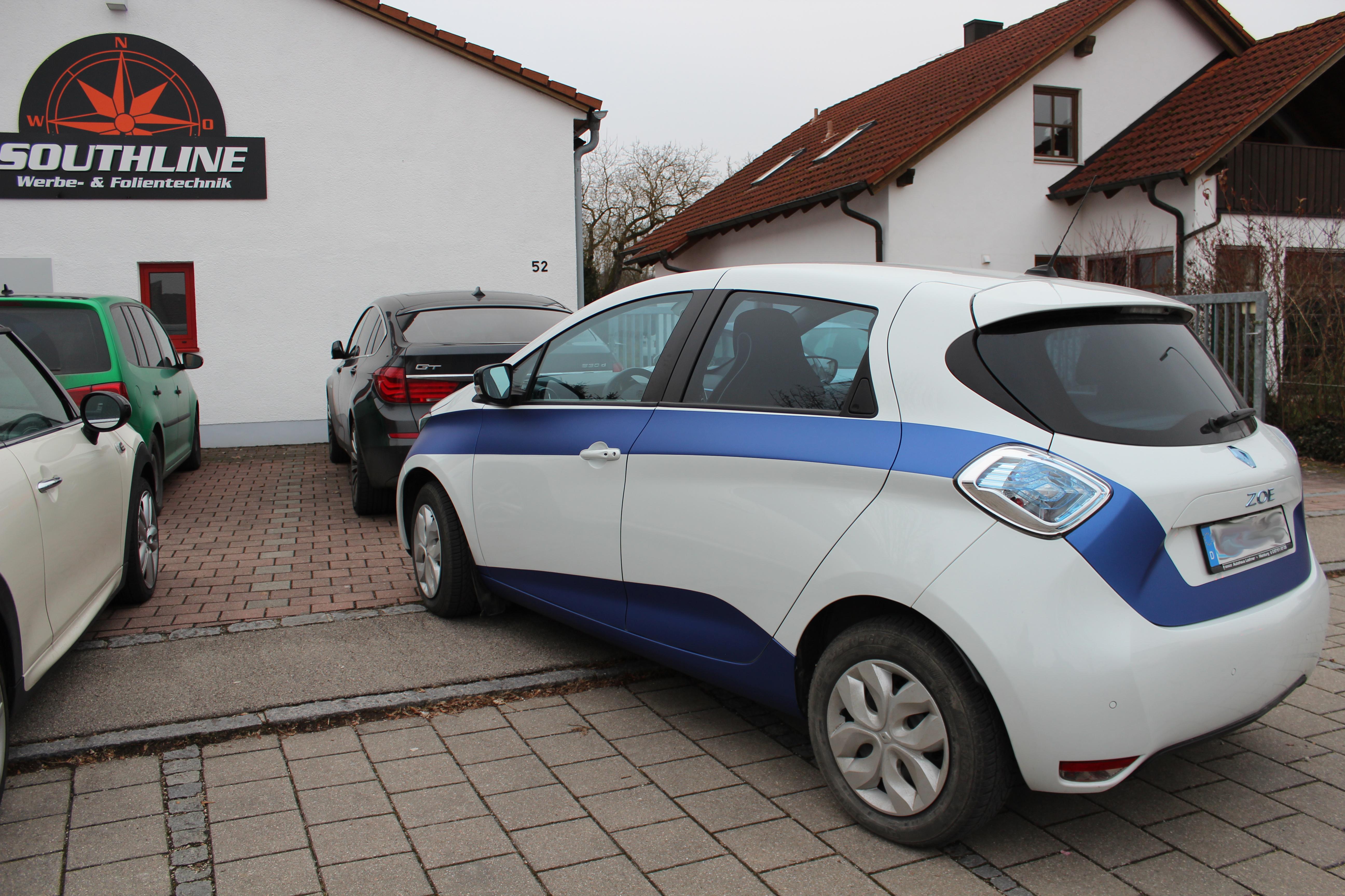 Renault_Streifen_Carwrap4