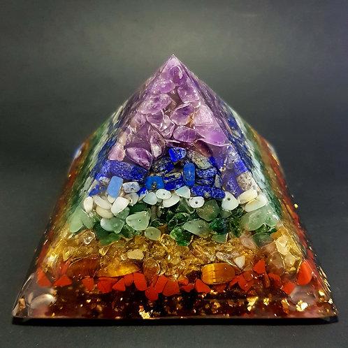 B - Pyramide 7 Chakras 10x10cm