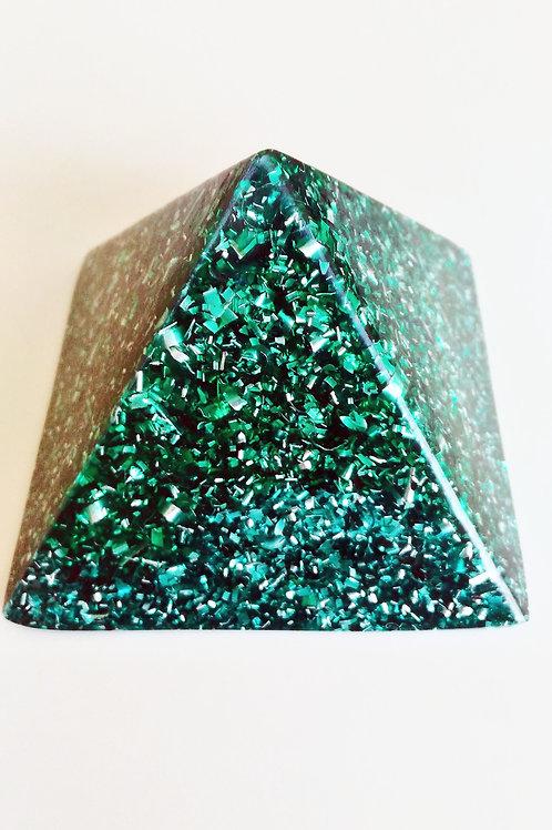 Pyramide Verte 8X8cm P5