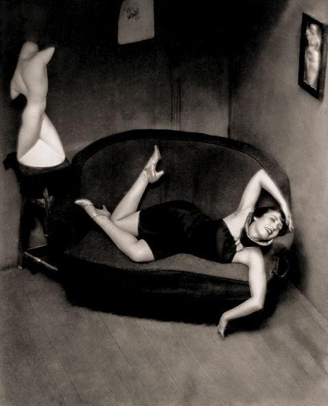 kertesz-bailarina-satirica-1926.jpg
