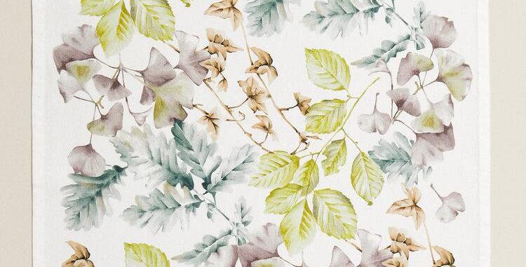 Flowered Napkin Set of 2