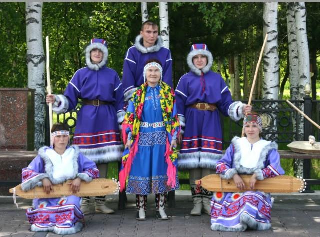 segodnja-15-let-prazdnuet-folklornyi-ansambl-trom-yovan-mokut