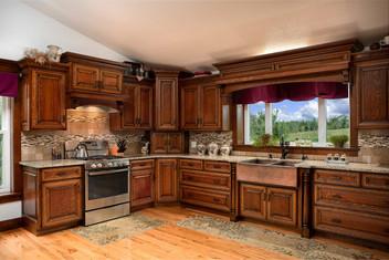 Yoder Kitchen - Creative Woodworks.jpg