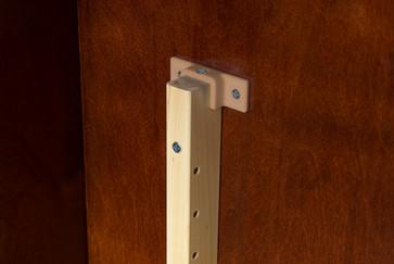 02 Pilaster Support Bracket.jpg