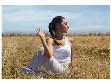 Ashtanga Yoga: Disiplinli Yogiler için Hızlı Tempolu Tarz Hakkında Her Şey