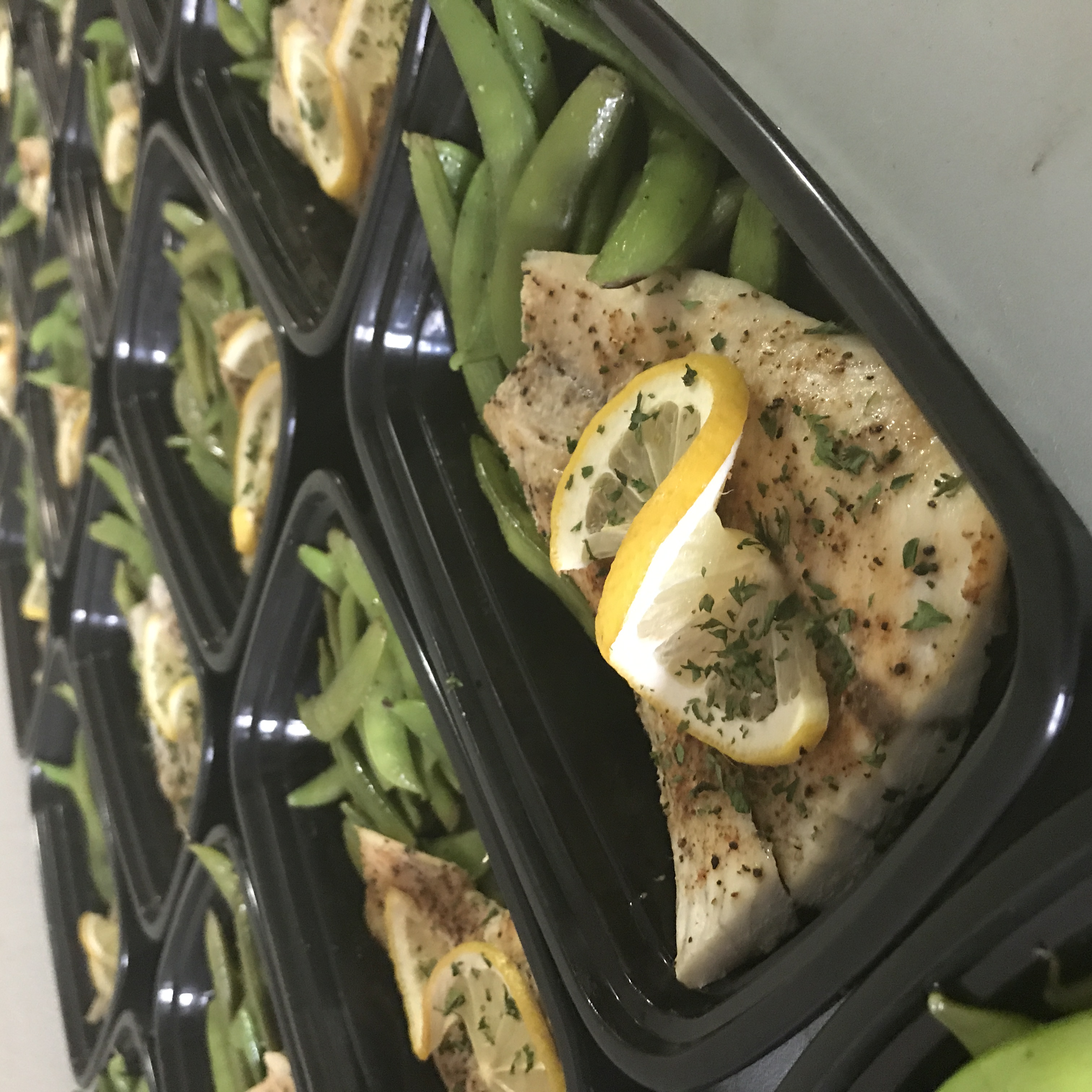 LEMON PEPPER SEA BASS W/ GREEN BEANS