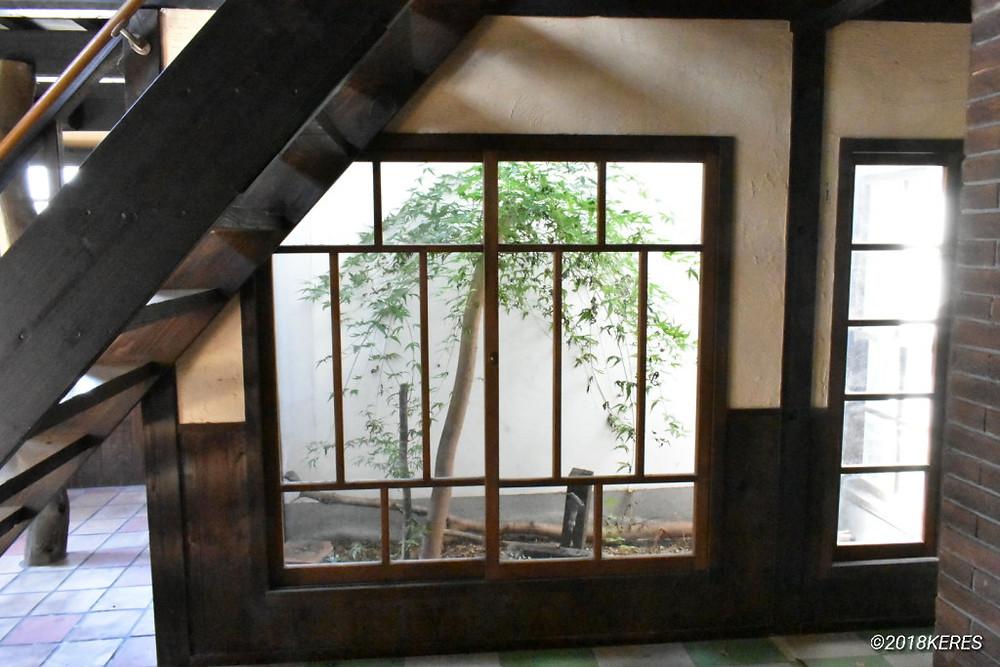古民家内部の中庭