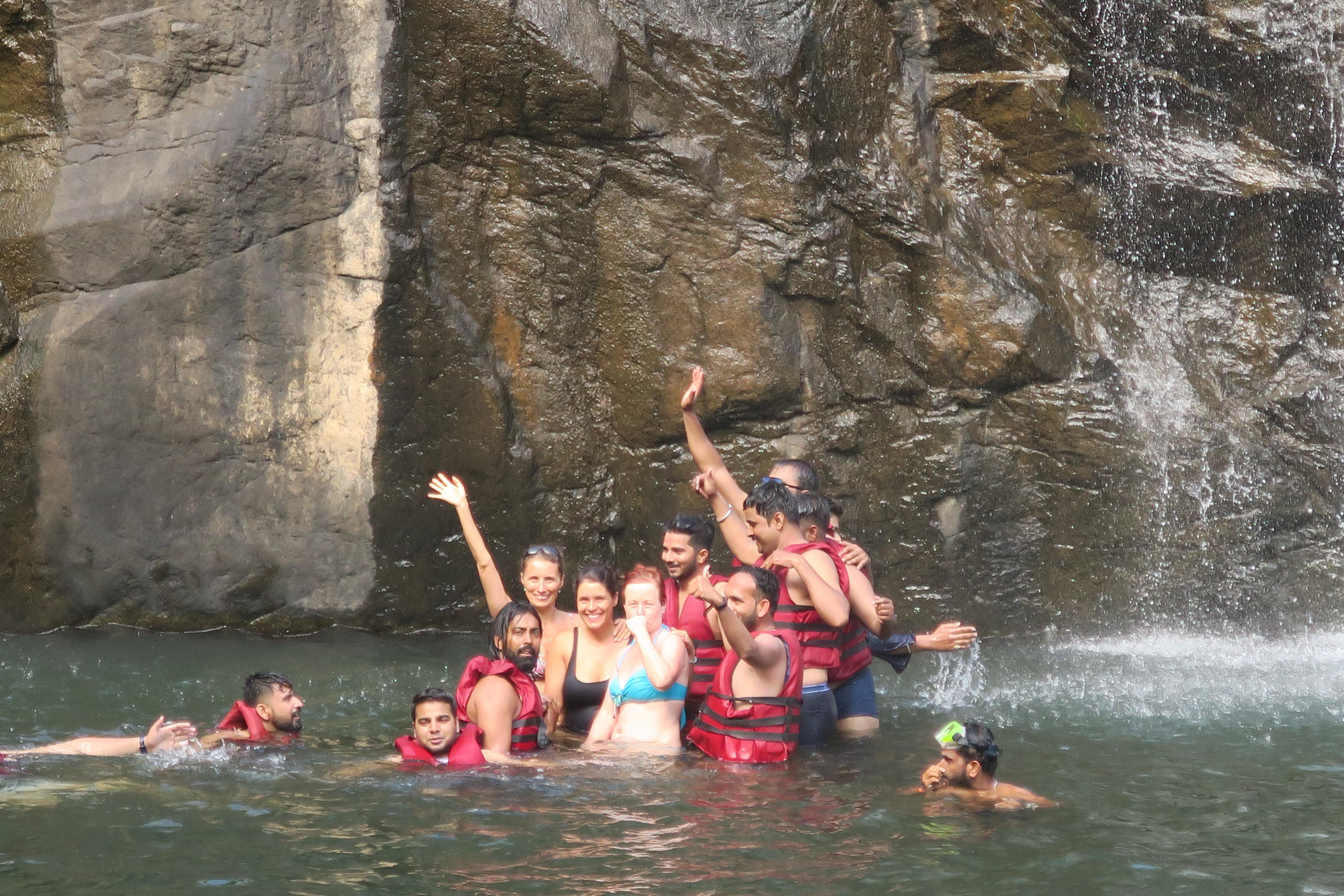 Plavání ve vodopádech