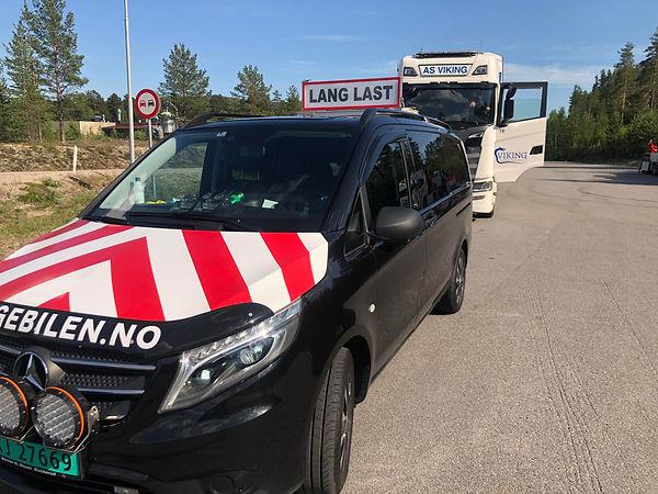 følgebilen,følgebil,følgebiler,ekspressbud,Oslo,Trondheim,Østfold,Vestfold,Trøndelag,Nordland,pilotcar,Spesialtransport