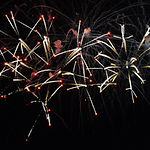 Crossette_firework_effect_at_Disney_Worl