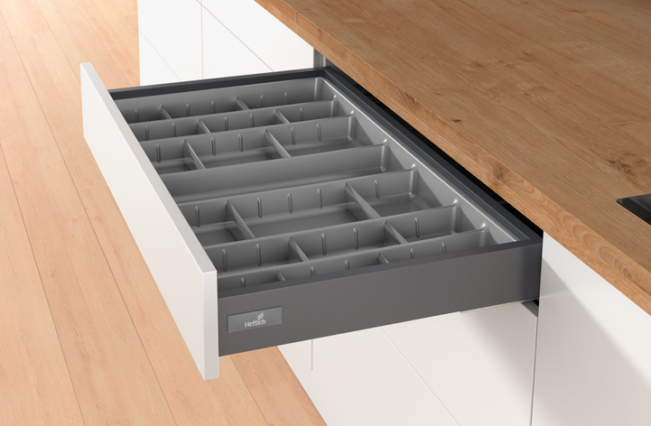CUTLERY / ORGANISER TRAYS WITH ADJUSTABLE DIVIDERS
