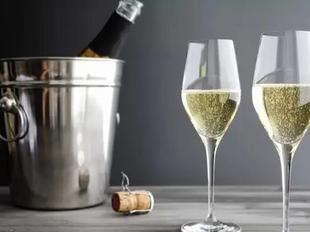 葡萄酒开瓶前,千万别忘了看适饮温度