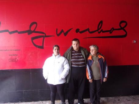 Deň sknihou adielami Andyho Warhola