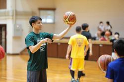 スクールに遊びに来てくれた、渡邊翔太 選手(西宮ストークス)